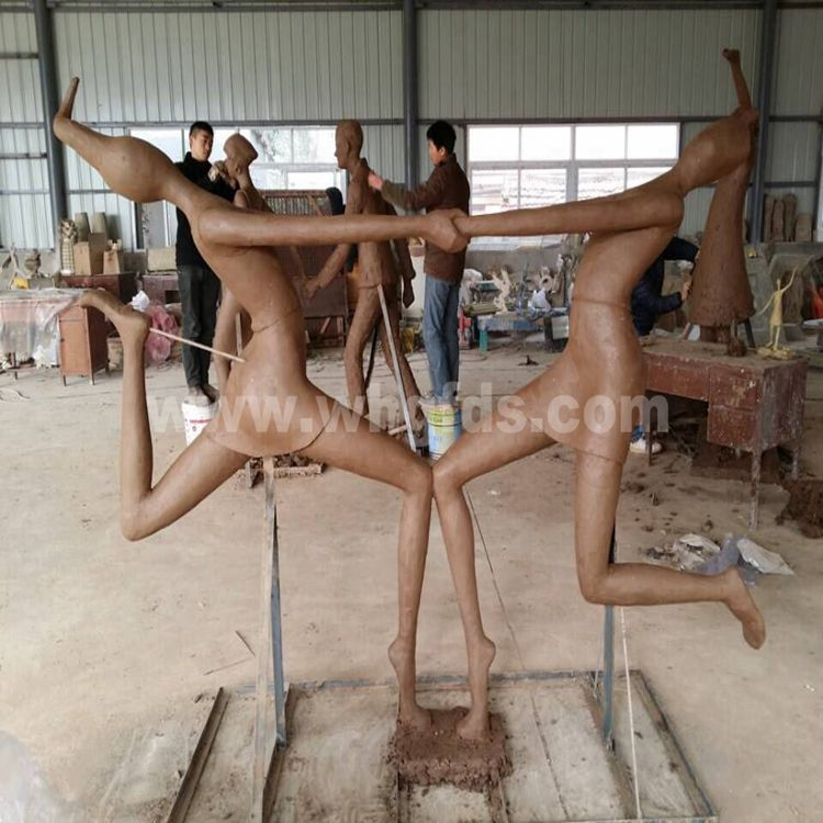 诗朗地产玻璃钢雕塑泥塑