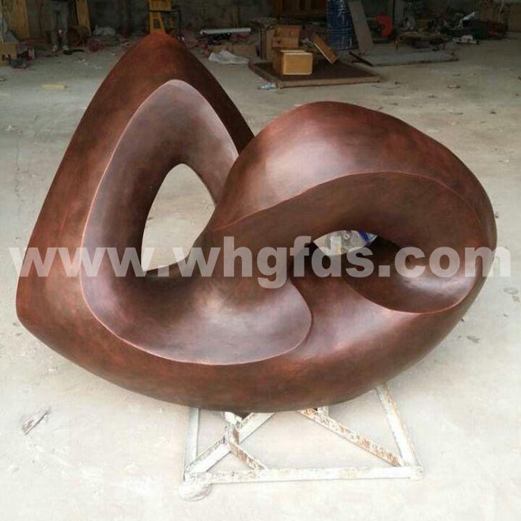 诗朗地产锻铜雕塑